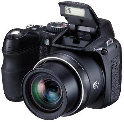 Фотокамера FinePix S2000HD снимает видео в HD