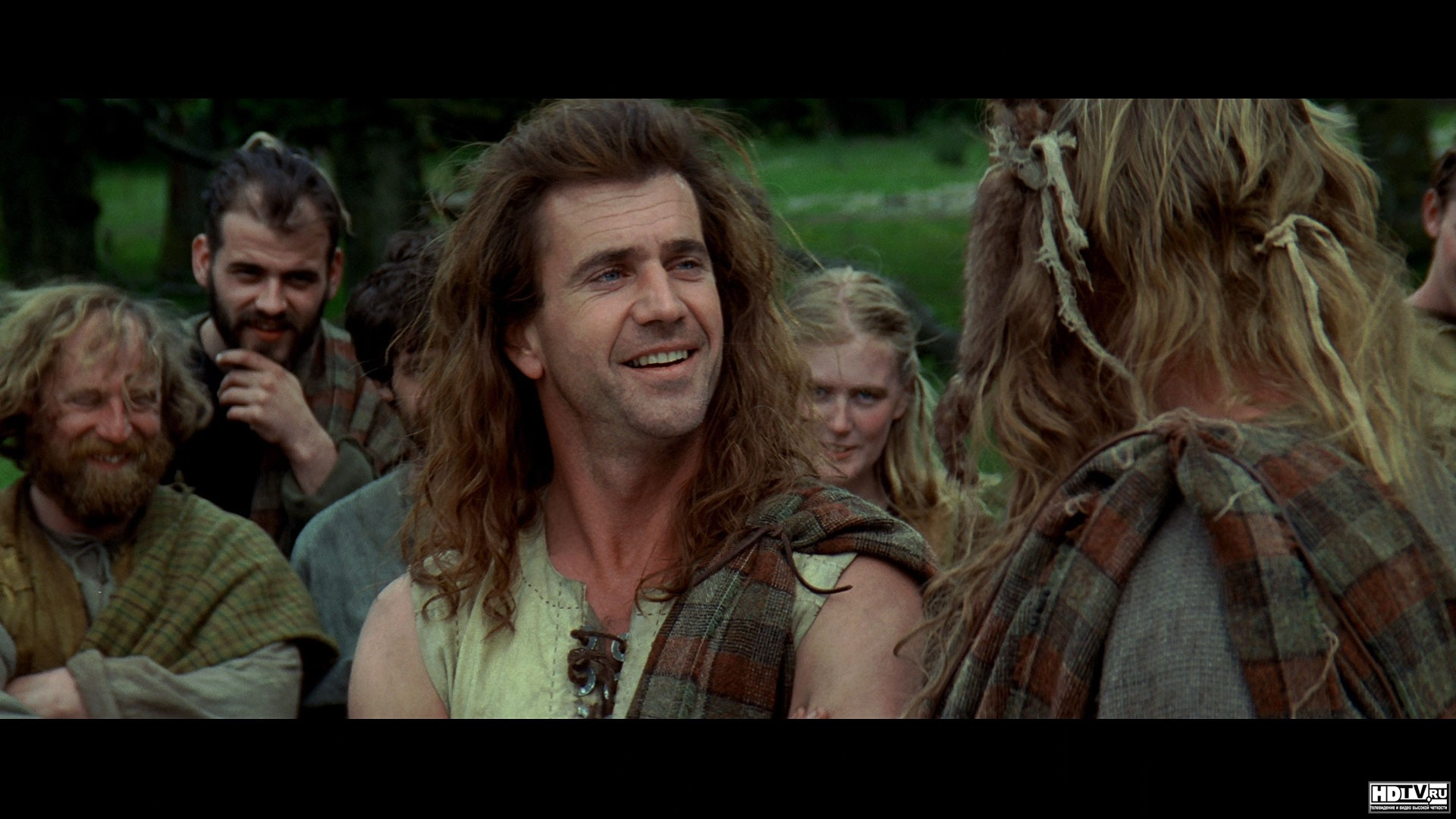 a review of the 1995 film braveheart Parents need to know that braveheart is a 1995 movie in which mel gibson plays william wallace, a scotsman who leads a revolt against the british during the 13th century  this movie has high levels of blood and gore (animal and human), vulgarity, and sexual elemen.